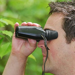 How to Buy Compact Binoculars